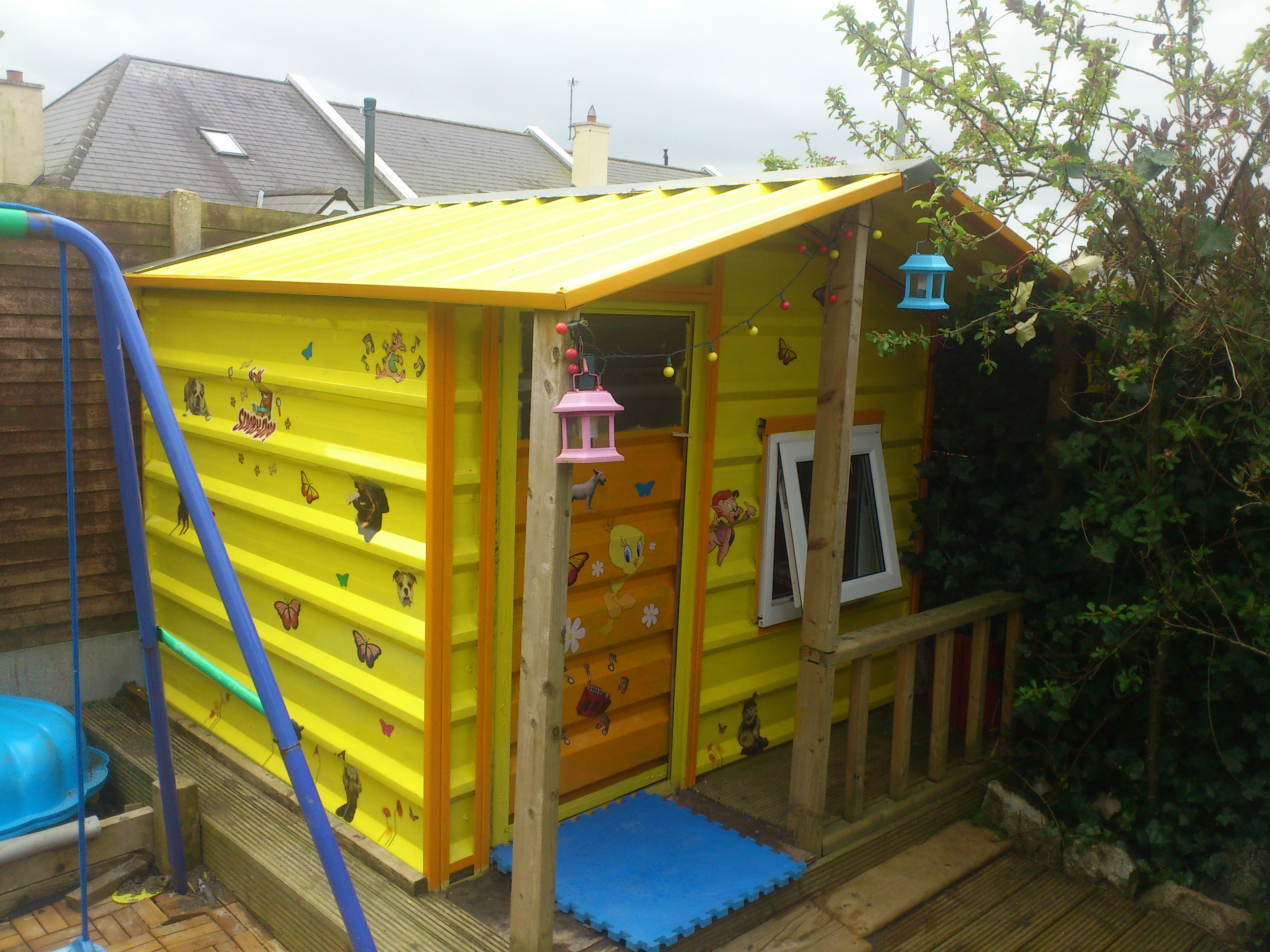 A Playhouse for the kiddies!